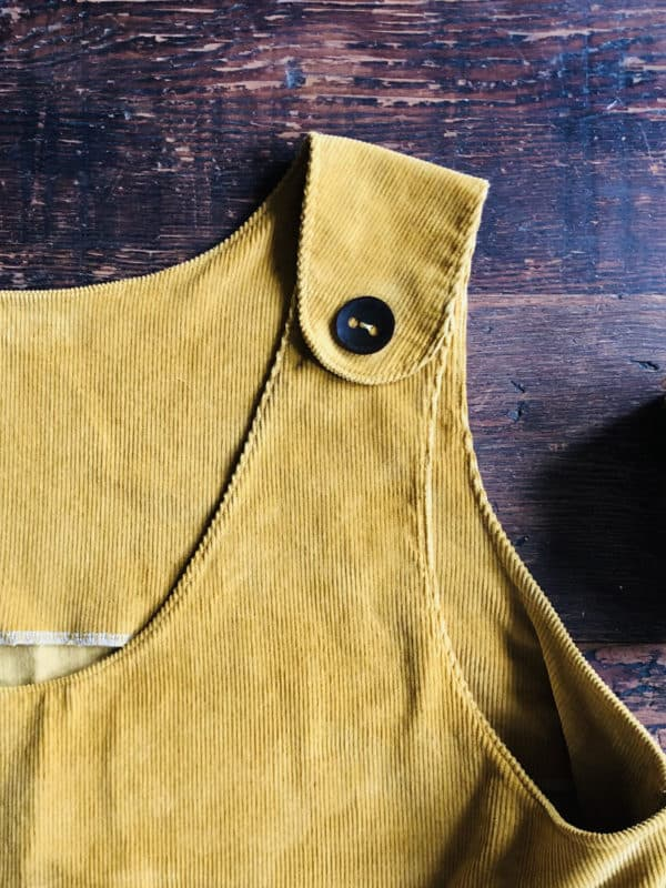 Pop-on Pinafore